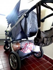 Kinderwagen en boodschappen