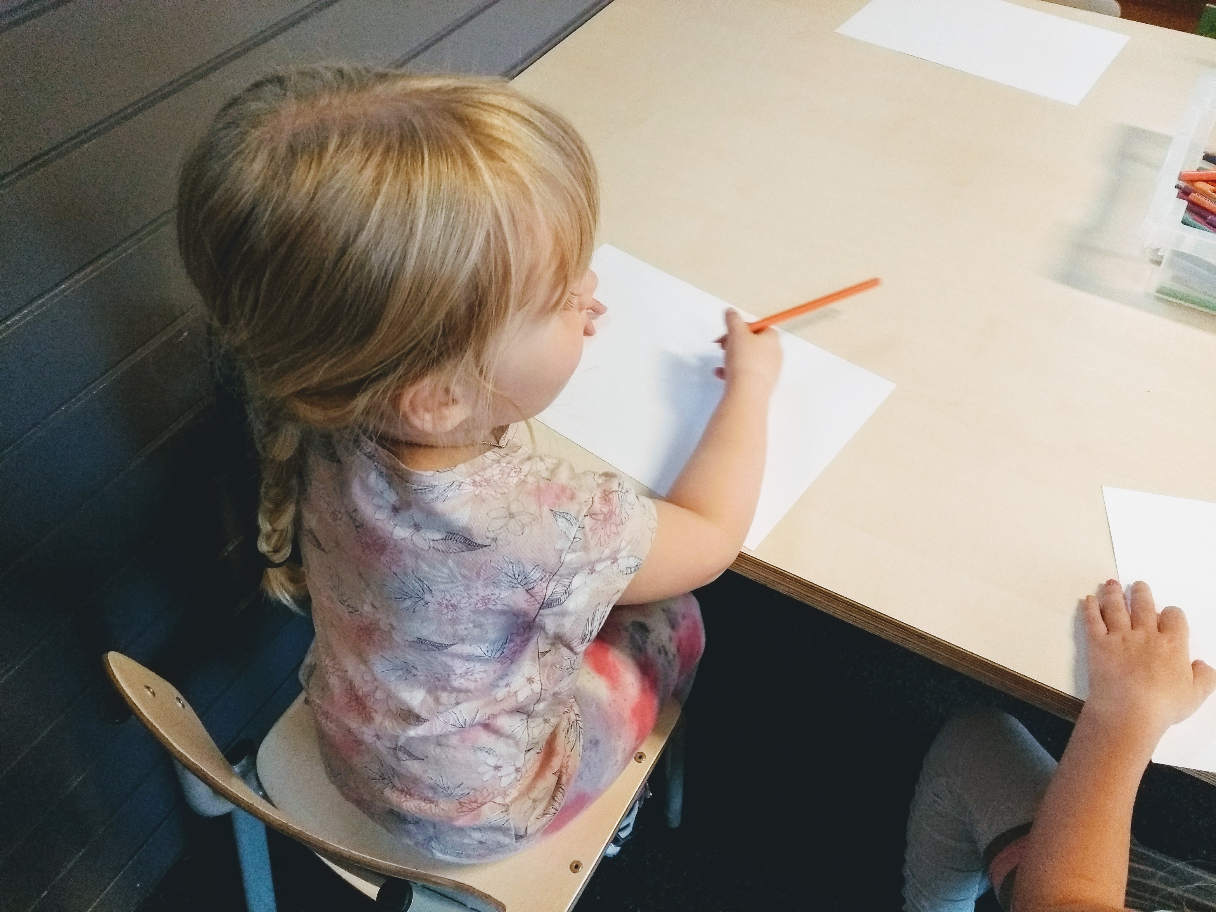 naar school, basisschool, kleuterklas, eerste schoolweek, eerste schooldag, kleuter, kleuters, blog, mamablog, mamablogger, lalog, lalogblog, lalog.nl