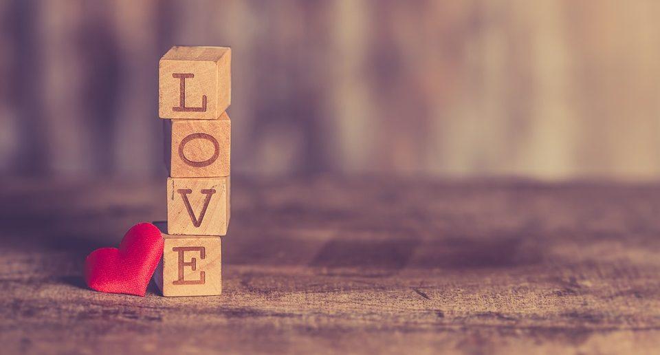 valentijnsdag, valentijn, liefde, verliefd, relatie, gezin, mamablog, mamablogger, valentijnsdag vieren, mamalifestyle blog, lalog, lalog.nl, lalogblog