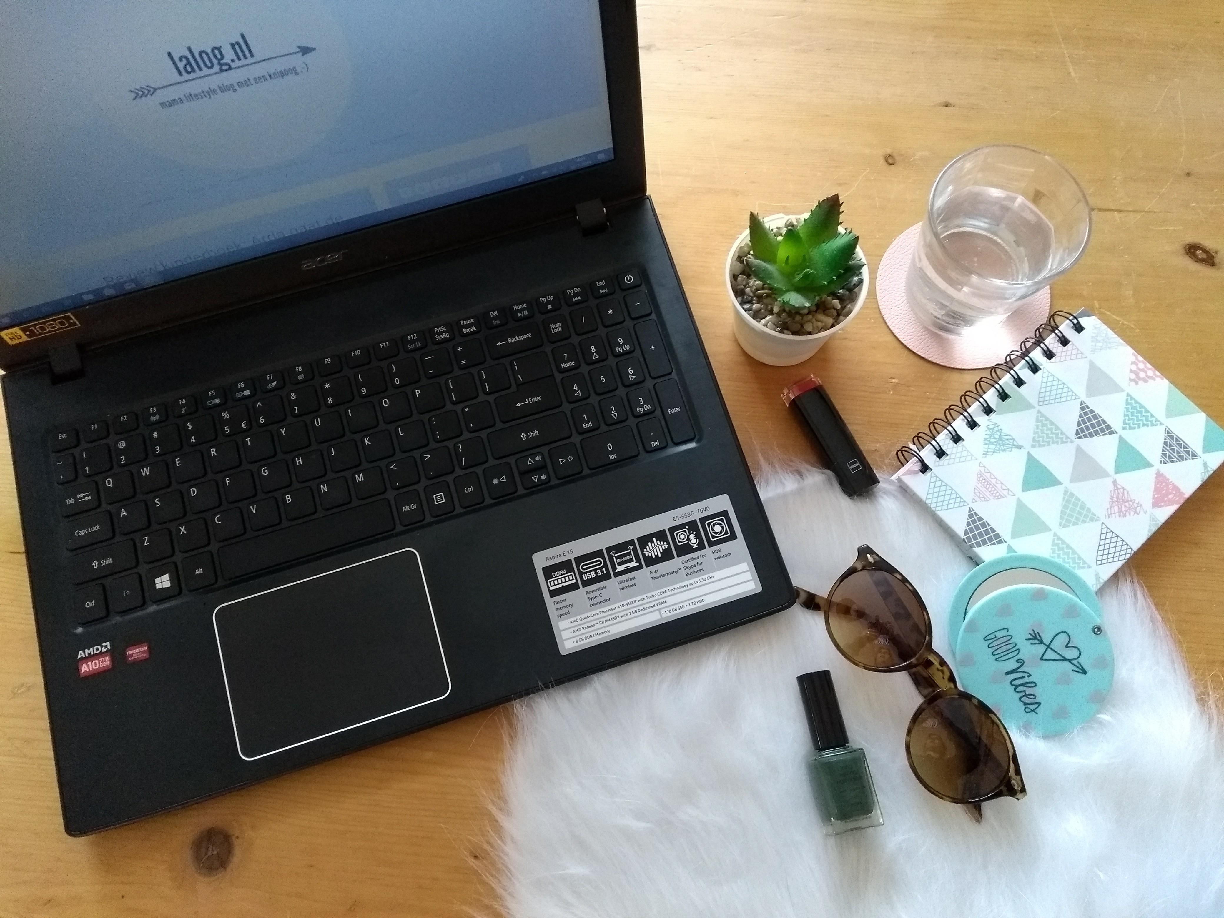 lalog.nl, flatlay, laptop, blog, mamablog, bloggen, mamalifestyleblog, lalog.nl
