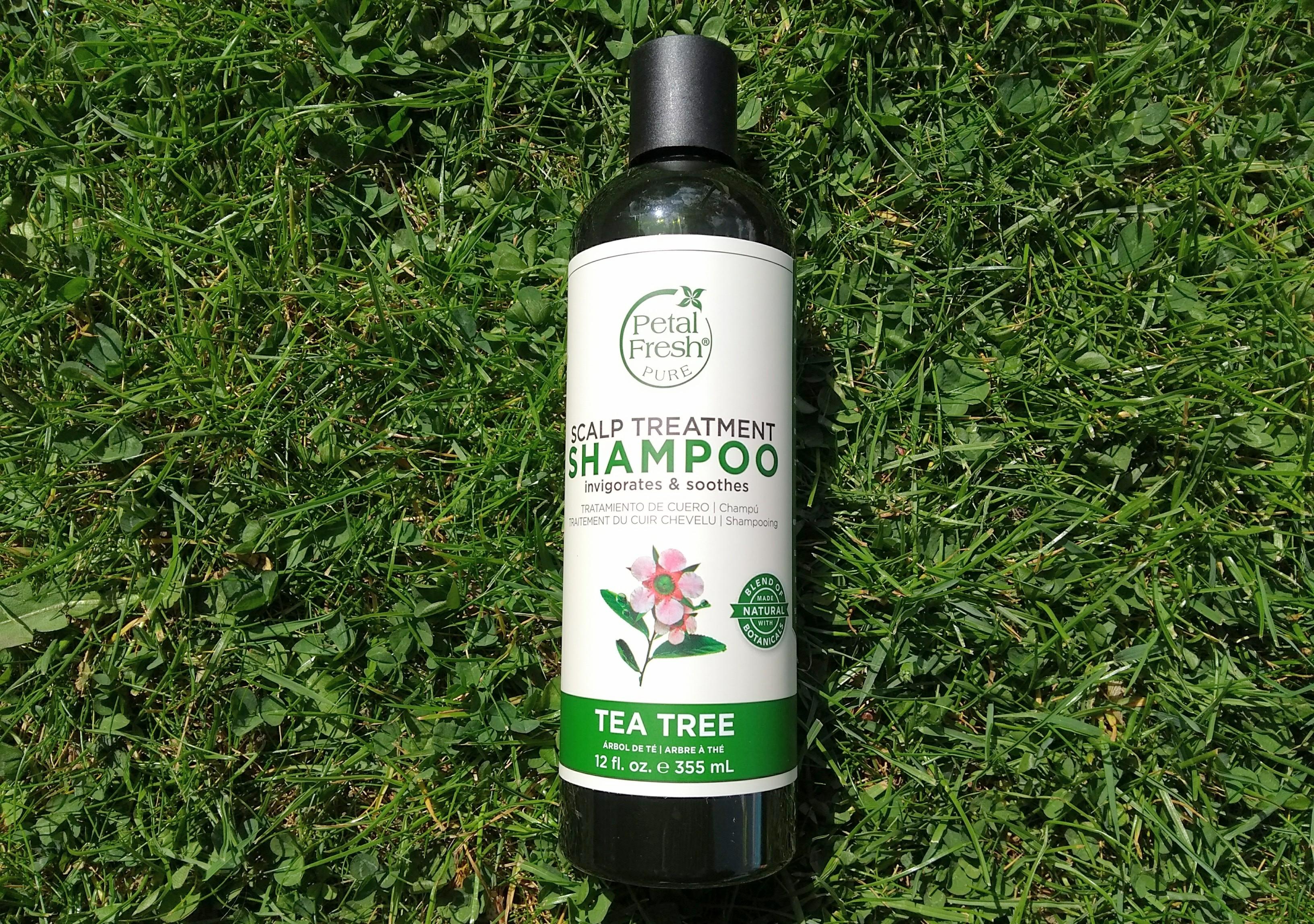 review, petal fresh, petal fresh pure, scalp shampoo, scalp treatment shampoo, shampoo gevoelige hoofdhuid, gevoelige hoofdhuid, vegan shampoo, tea tree shampoo, shampoo gestest, mamablog, blog, mamalifestyle, haar, haar wassen, lalogblog, lalog.nl