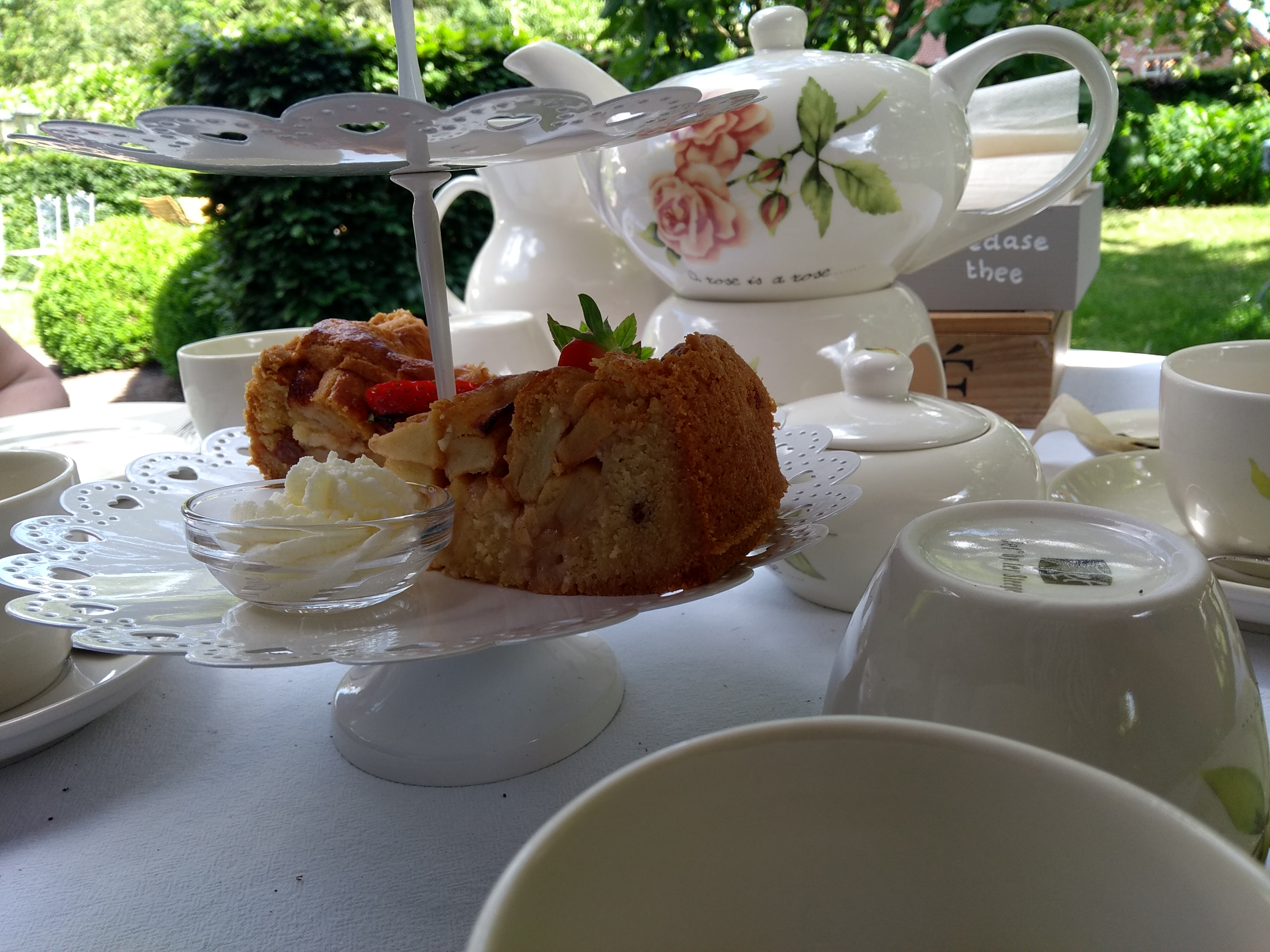 High Tea, 't Buytenhuys, theetuin Rijsbergen, blog, blogger, mama-lifestyle blog, La Log
