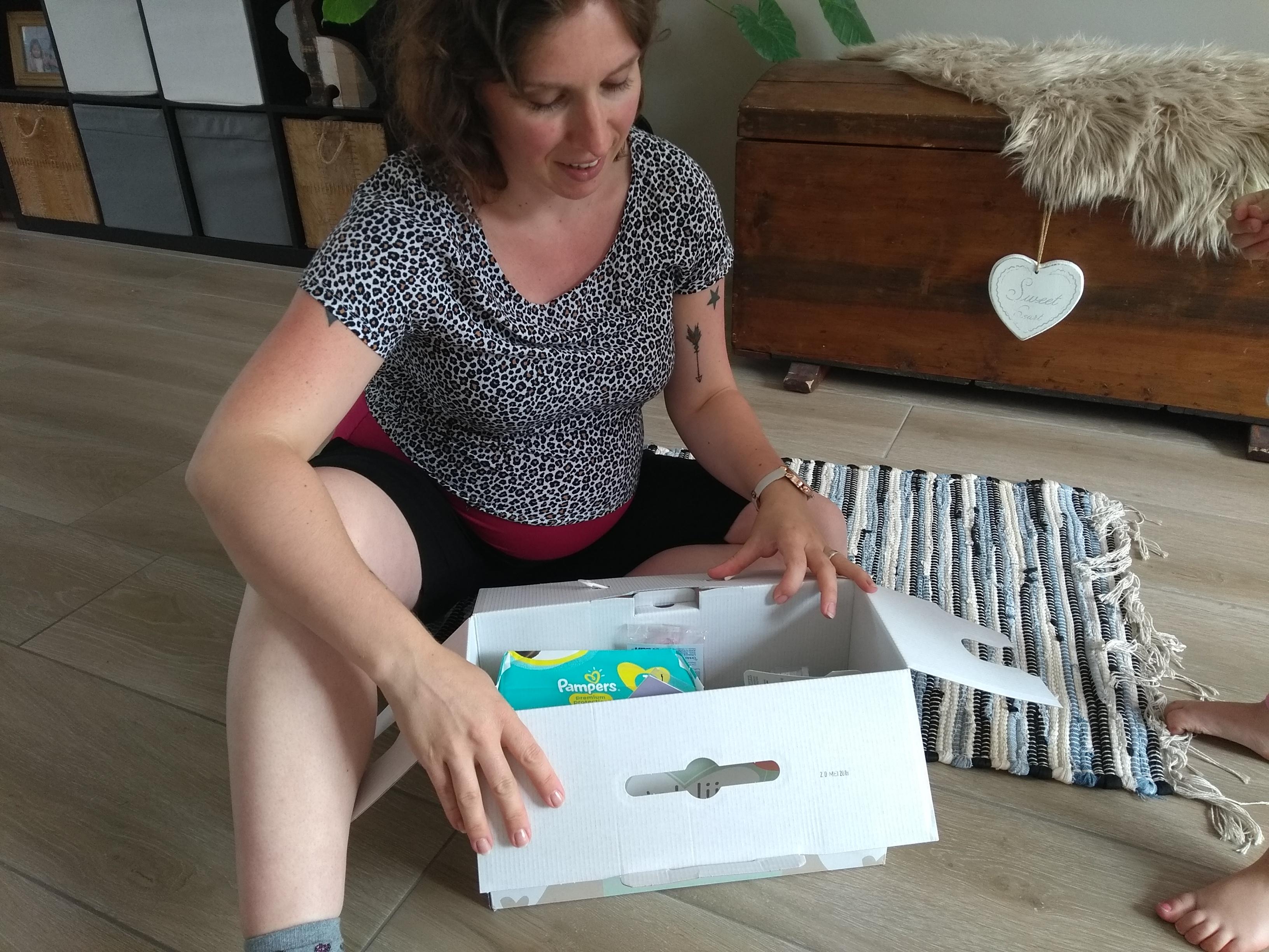 Blije Doos, de blije doos, unboxing, zwanger, zwangerbox, zwangerschap, prenatal blije doos, gratis zwangerbox, mamablog, mamaliefstyle, lalog, lalogblog, lalog.nl