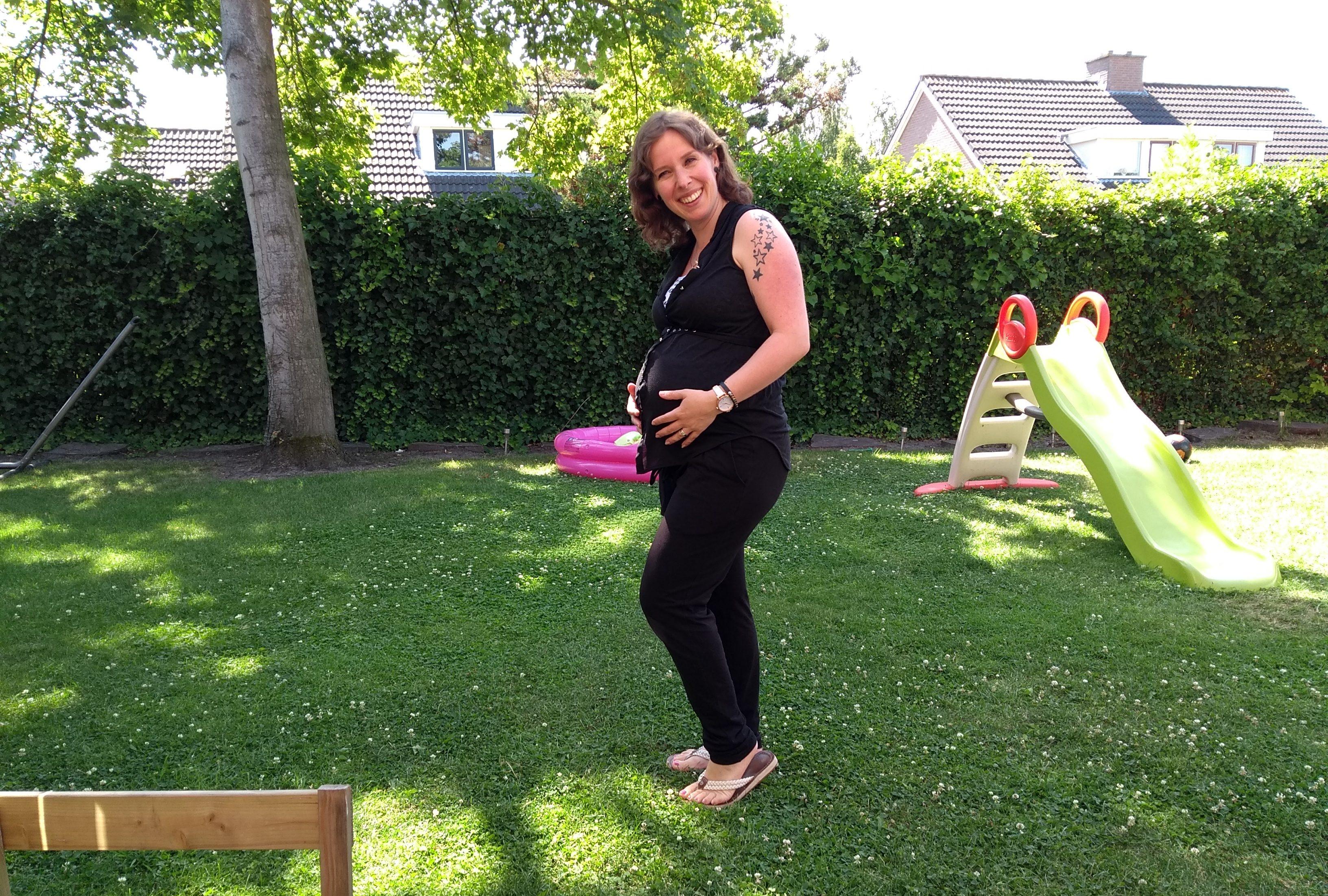 buik, zwanger, zwangerschap, derde zwangerschap, derde kindje, babybuik, pregnant, belly, babybump, mama en zwanger, zo die buik, mamablog, momblog, lalogblog, lalog.nl, lalog