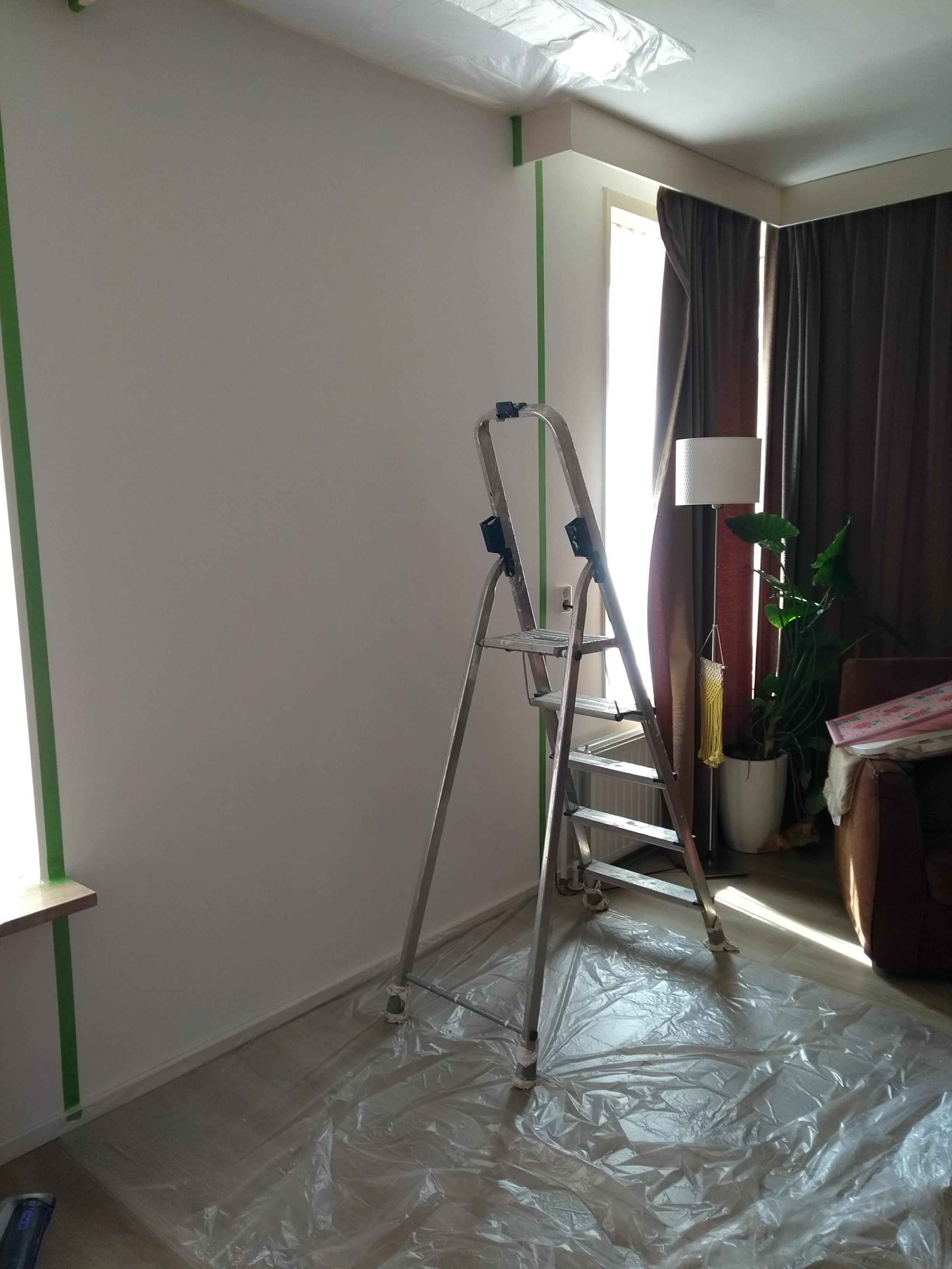 interieur, verven, muur verven, kleur, olijfgroen, groen, mamablog, lifestyle, wonen, woonkamer, thuis, lalog.nl, blog