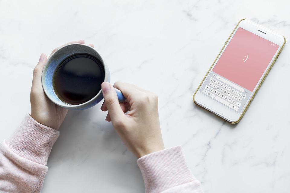 schermen, tablet, telefoon, beschermhoes, hoesjes, hoesjesdirect.nl. hoesjesdirect, kinderen, gezin, mobiel, schermtijd, mamablog, momlife, mamalifestyle, blog, lalog, lalog.nl, lalogblog