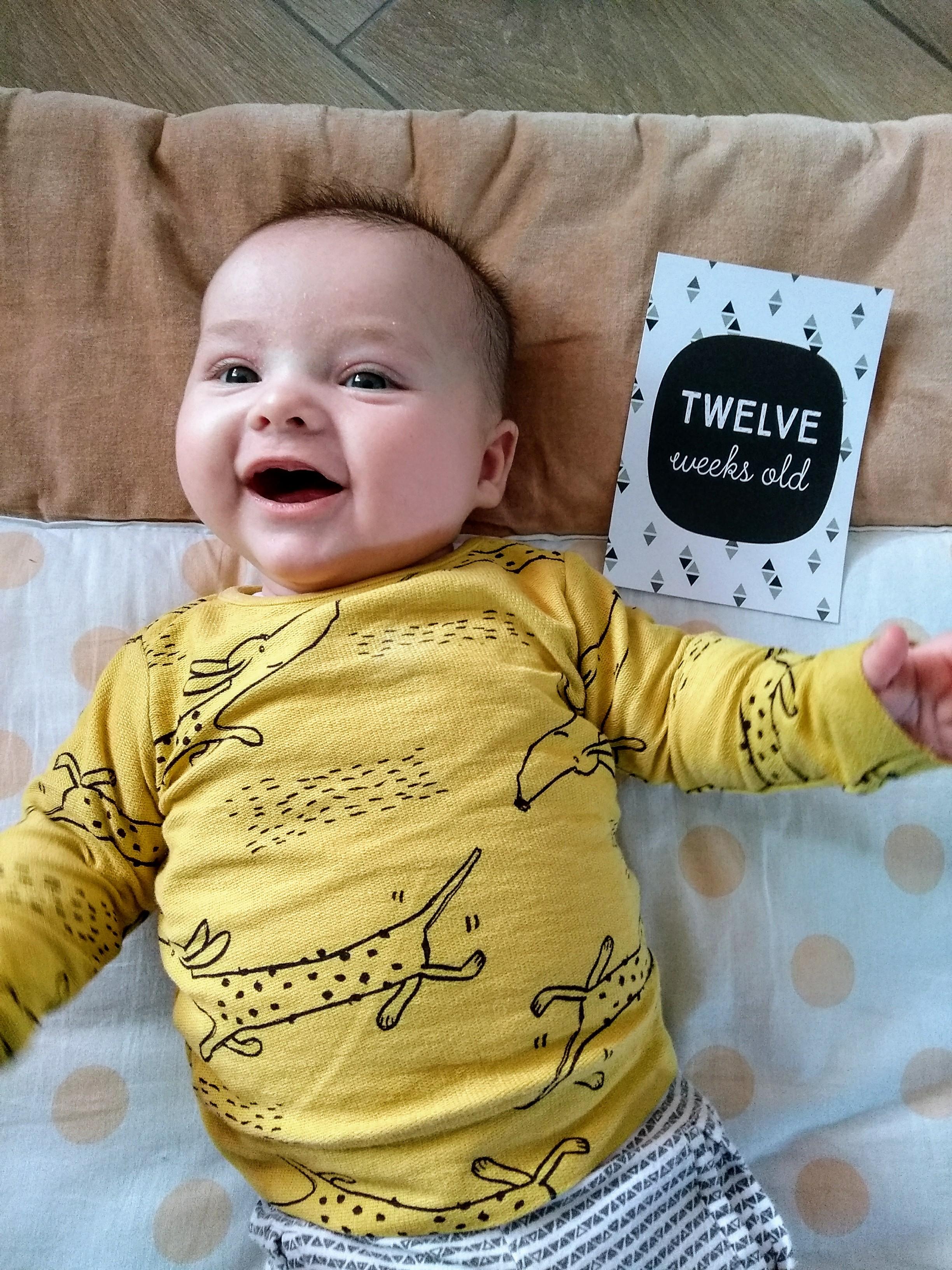12 weken, new born, baby, baby 12 weken, baby 3 maanden, mamablog, gezin, mamalifestyle, momlife, lalogblog, lalog, lalog.nl