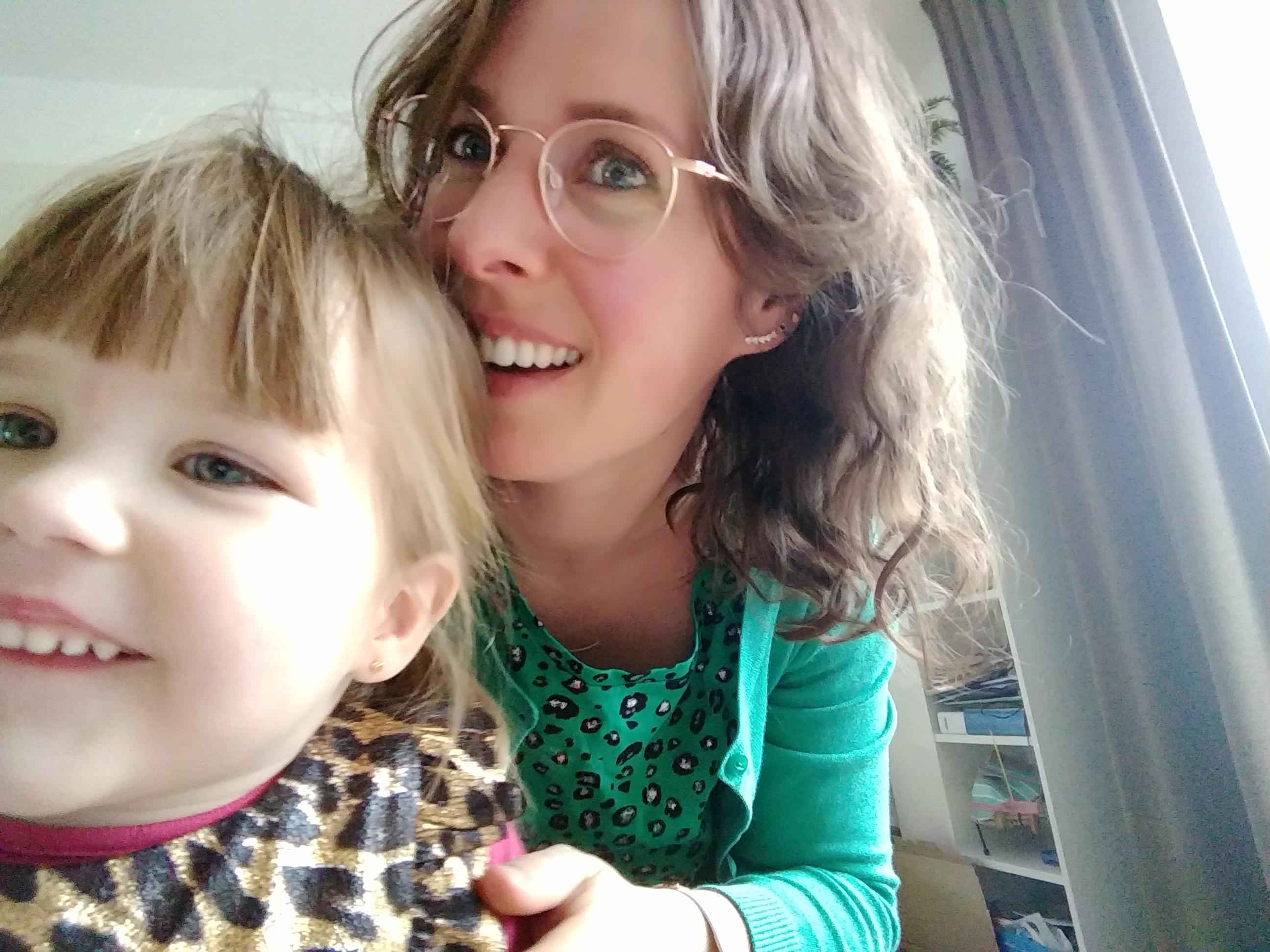 oorbellen kind, oorbellen peuter, mamablog, mamalifestyleblog, juwelier, blog, lalog.nl, lalogblog