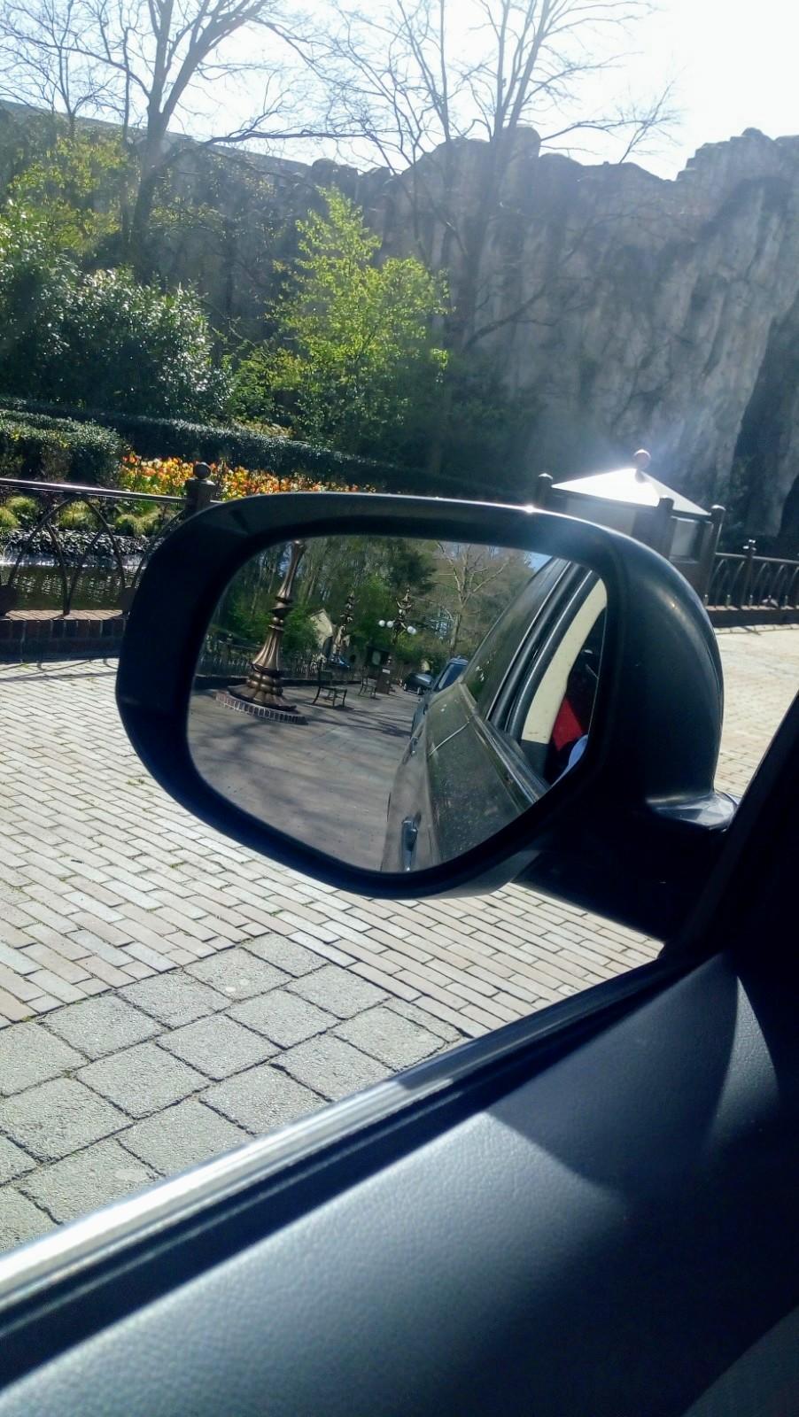 autosafari Efteling, Efteling, met de auto door de Efteling, Efteling personeelsactie, Efteling dicht, Efteling leeg, Efteling park, Efteling tijdens Corona, mamablog, mamalifestyle, lalogblog, lalog, lalog.nl